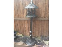 Cast iron bird table/feeder