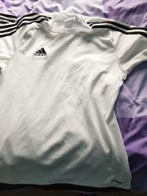 Adidas sports tops x 4