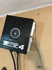 Cheshunt Hydroponics Store - used 4 way Maxiswitch Pro 4 light timer for grow lights
