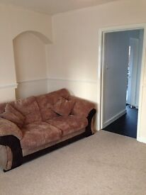 Large double room to rent in Exeter. £400 per month including all bills.