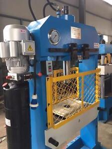 Presse Hydraulique Electrique Industrielle avec Cage de Protection HP50