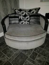 SILVER AND BLACK LARGE SWIVEL CHAIR