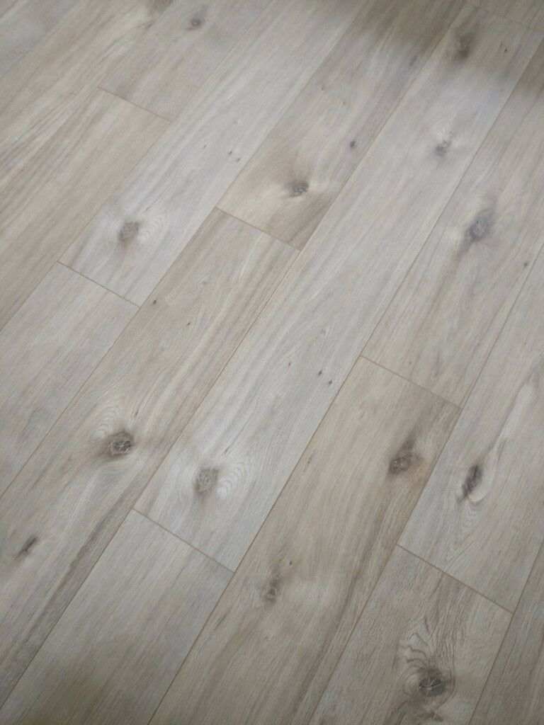 Pale Wood Laminate Flooring Fibreboard Underlay 10 Square Meters Of Each 5