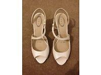 Ivory bridal shoes size 5