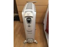 (REDUCED) Delonghi-Dragon-Radiator-Type3 With Remote Control