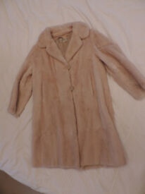 Vintage Dickens & Jones Cream Musquash Fur Coat