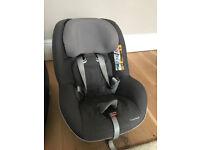 Toddler Car Seat - Maxi Cosi 2 Way Pearl Car Seat + i-Size 2wayFix Car Seat Base + Cover