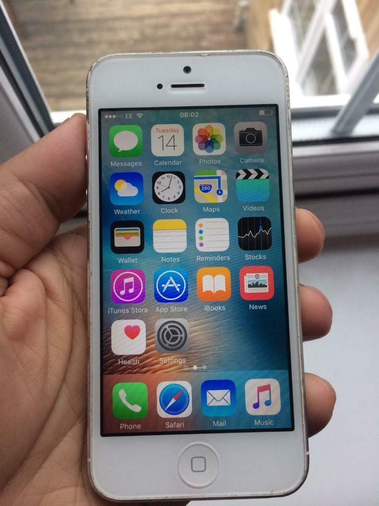 Iphone 5 white silver 16gb unlocked good conditionin Luton, BedfordshireGumtree - Iphone 5 white 16gb good conditionNo scratches on the screen as used with cover all the times. Two scratches on the back plz see pics. For overall condition please check pics or ask any questions. It is unlocked and can be used with any network. Just...