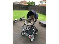 Stokke Cruise Complete set in Navy Inclu Izi go car seat
