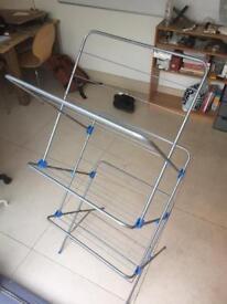 Freestanding + radiator drying rack