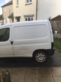 Peugeot partner van with very low mileage for year
