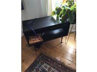 TV stand / Side Unit – Movable shelf / detachable legs
