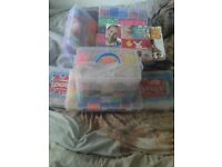 Joblot of mix loom bands items