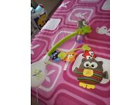 Cot mobile and owl gowl