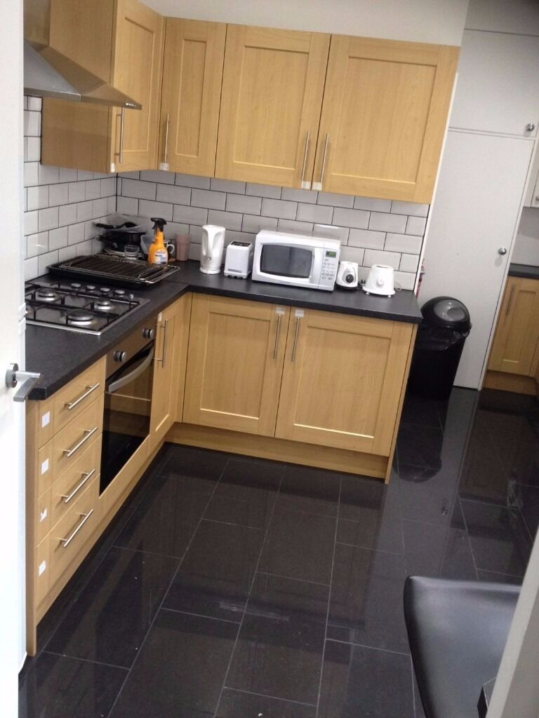 NEWLY REFURBISHED DOUBLE ROOM TO RENT ON GREEN LANE, SEVEN KINGS FOR £450PCM!! ALL BILLS INCLUDED!!