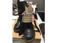 Dr martens black & pink triumph similitude 9 eye boots