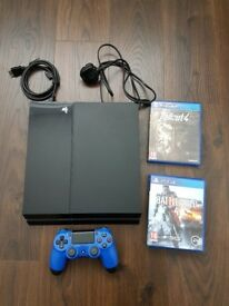 Ps4 (500gb) with two games