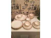 Pretty vintage tea cups/saucers/plates/cake plates. 5 settings