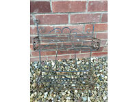 Garden Shelf / Ornamental garden setting