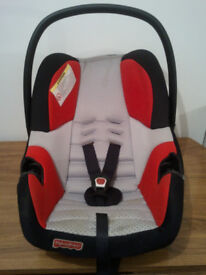 BABY CAR SEAT,FISHER-PRICE ,SIDE PROTECTION SYSTEM,UNIVERSAL,SUITABLE FROM NEW BORN TO 15 MONTHS OLD