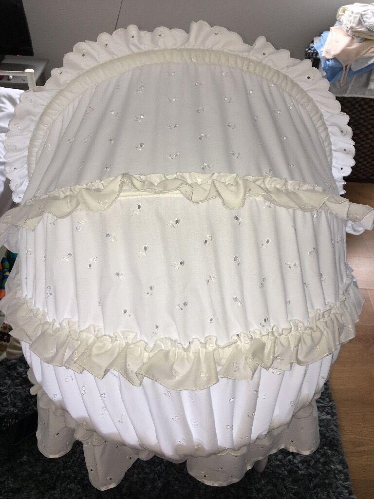 Leipold crib for sale - White Wicker Leipold Crib
