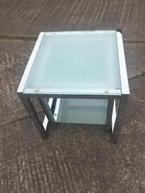Glass nest tables