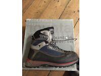 3 season mountaineering boots size Uk 8