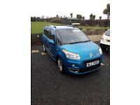 CITREON PICASSO 1.4 Vti 16V Exclusive, late 2009 with only 19000 miles, 1 owner top of the range mpv