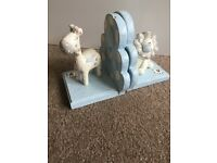 Lion and giraffe bookends perfect for nursery