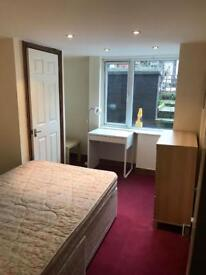 BASEMENT DOUBLE ROOM TO LET