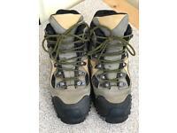 Merrell Men's Walking Boots Size 7.5