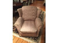 Traditional well made 3 piece suite. Great value!
