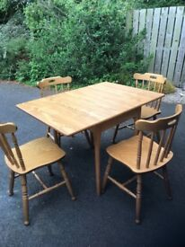 Kitchen table, 4 chairs and dresser