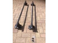 Thule Roof Bar System for Nissan Qashqai 2007 with locks and keys