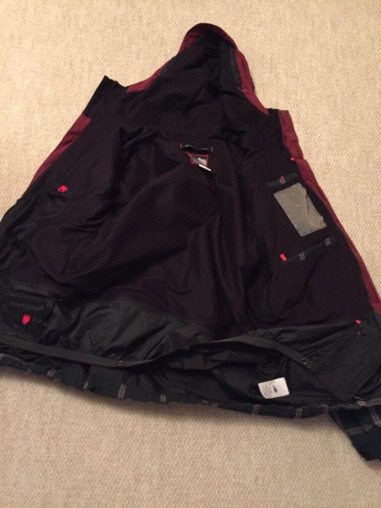 Ski or snowboard jacket