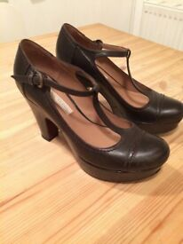 Pied a Terre vintage-look brown shoes