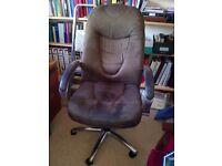 Superior desk chair