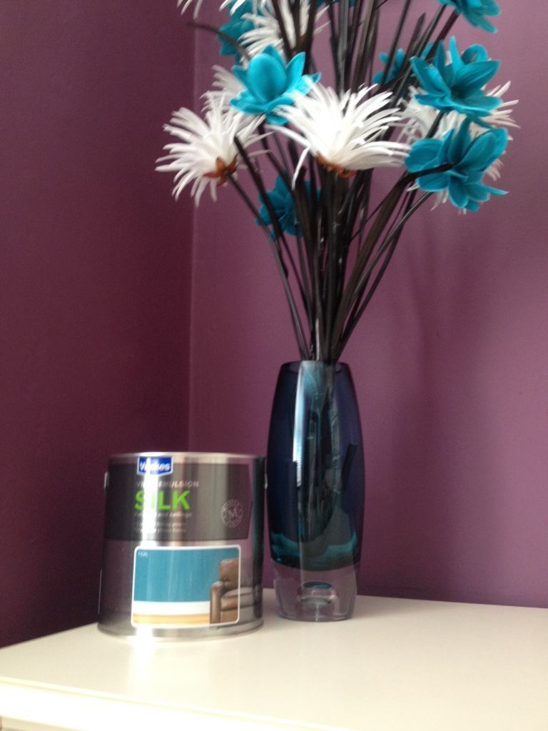Next teal glass vase with flowers and teal paint in newcastle next teal glass vase with flowers and teal paint reviewsmspy
