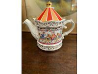 Sadler Edwardian Entertainment Carousel Tea Pot