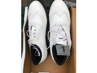 Ladies Golf Shoes Size 7 New in Box Pierre Cardin