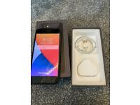 IPhone 8 64gb Unlocked ( excellent condition)