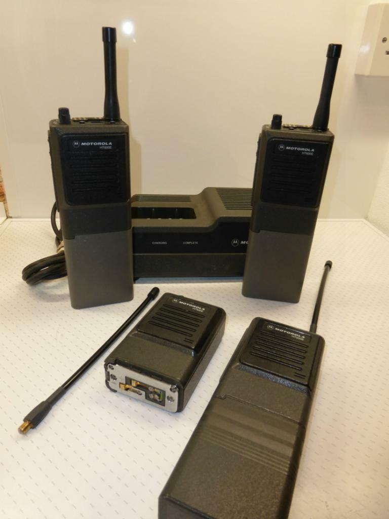 office radios. Exellent Radios ExPoliceHome Office UHF Radios  Motorola Ht600e Walkie Talkies For O