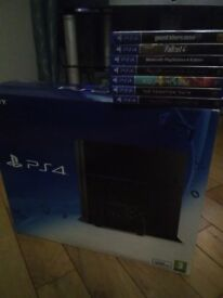 PlayStation 4 and 7 games excellent condition