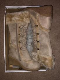 Ladies suede & sheepskin boots