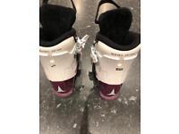 Ski boots child size 18