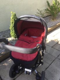 Concord Neo Travel System. Carry cot, stroller seat and car seat with new born inserts.