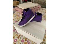 Nike blazers size 5