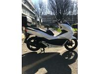 Honda pcx 125 1 FORMER KEEPER LOW MILEAGE (not ps pes vision n max)
