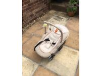 Stylish HAUCK baby seat/bouncer, excellent clean condition, suitable from birth until early weaning