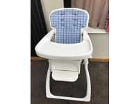 Foldable high chair in excellent condition